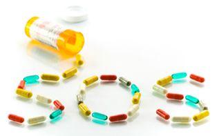 Nincsen egyszerű gyógyszer - gyógyszerszedés, öngyógyítás, gyógyszer, öngyógyszerezés, győri pszichiáter, pszichiáter Győr, depresszió, pánik, alvászavar, pszichológus